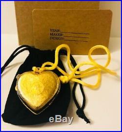 RARE 19763 Estee Lauder AZUREE HAPPY HEART Solid Perfume Compact/Necklace